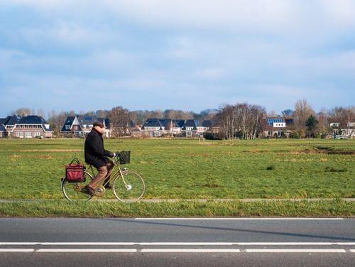 Andrea van der Loo – Biking