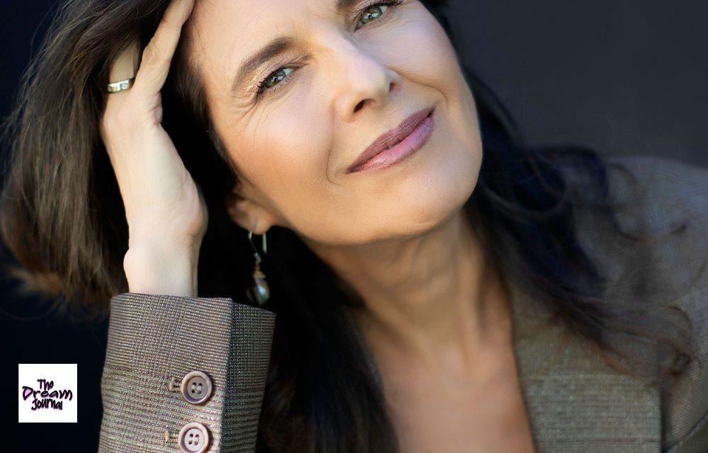 The Psychic Internet with Lauren Schneider